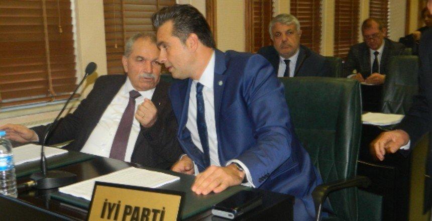 CHP ve İYİ Parti toplantıyı terk etti