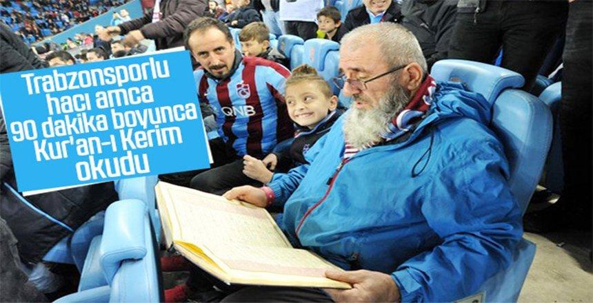 Dede, maç boyunca Trabzon'a dua ile destek verdi
